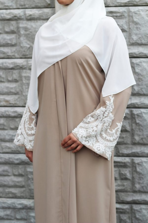 Nude abaya/kimino with white embroidered lace