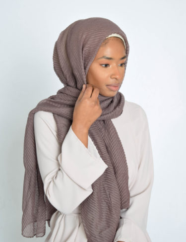 Dark Grape Wave Hijab