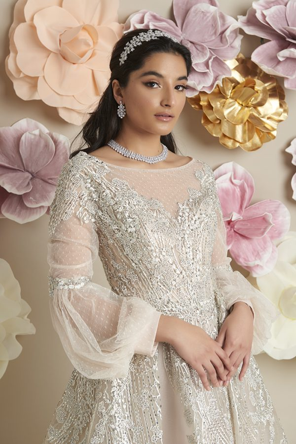 Ameerah Nude Dress With a Puff Sleeves